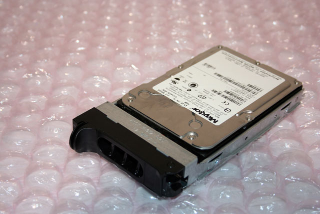 Dell YJ428 Maxtor Atlas II 73GB 15K u320 SCSI HDD